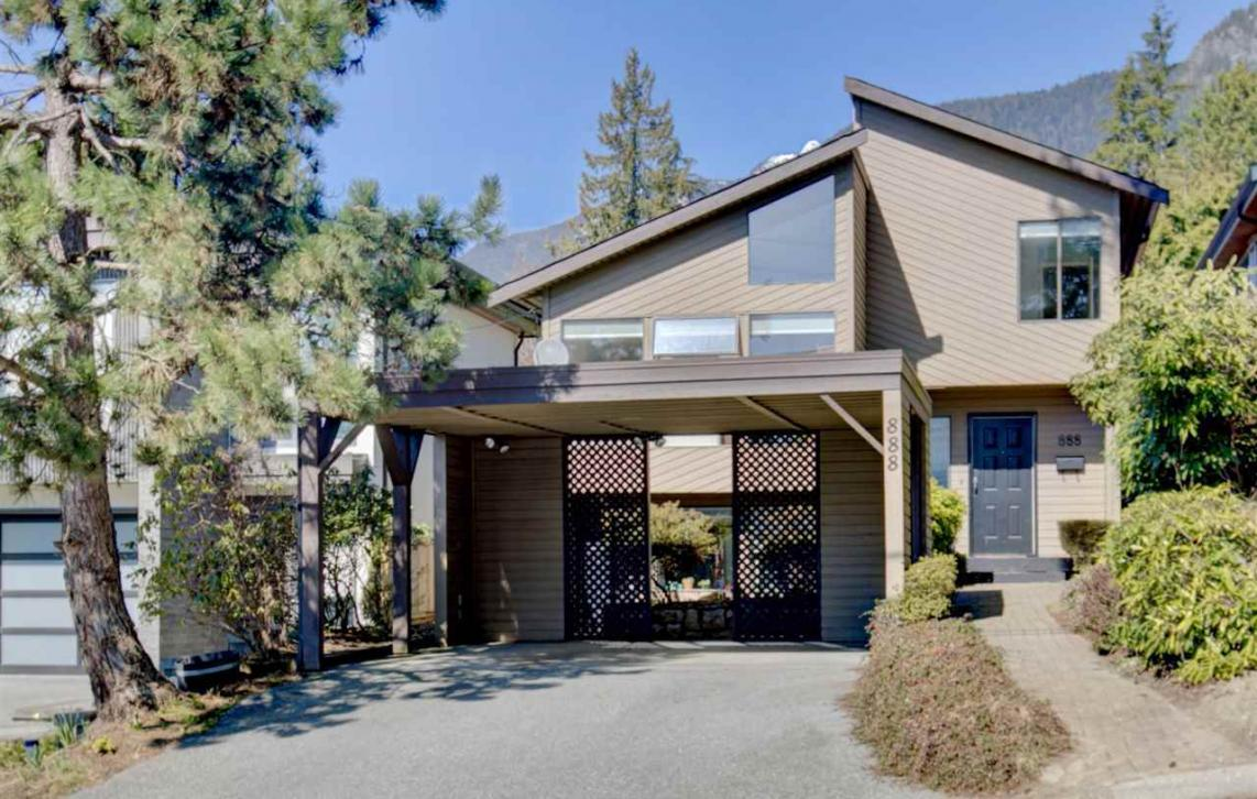 888 Montroyal Boulevard, Canyon Heights NV, North Vancouver